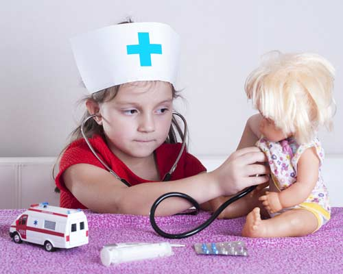 Playing doctor - At the doctors